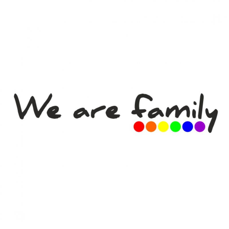 Aufkleber we are family - schwarz