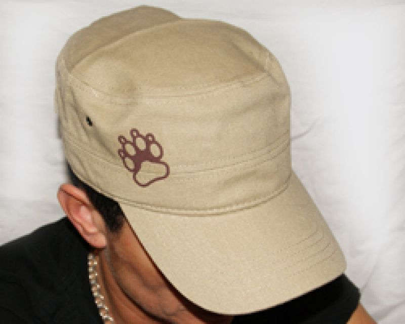 Tatzen links beige Military-Cap